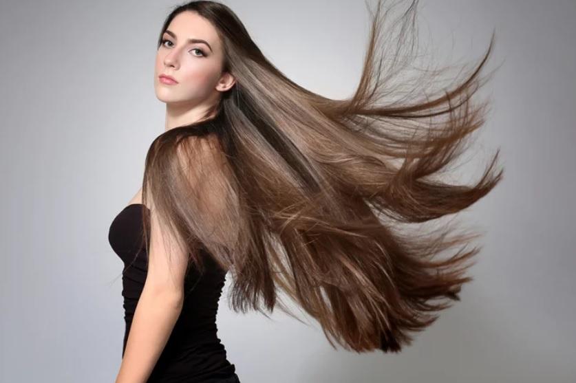 Rutina de 8 pasos para el cuidado del cabello lacio